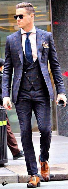 Men's Suits - this suit is the epitome of class, style, elegance and confidence.most definitely sexy! If I were a man, this would be mine. Fashion Mode, Suit Fashion, Look Fashion, Mens Fashion, Fashion Boots, Fashion Check, Fashion Menswear, Fashion Ideas, Fashion Trends