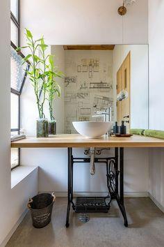 Old sewing machine turned into custom bathroom vanity Bathroom Interior Design, Modern Bathroom Design, Green Bathrooms Designs, Beautiful Bathrooms, Bathroom Furniture, Bathroom Inspiration, Small Bathroom, Master Bathroom, Ikea