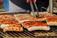 屋外で楽しむバーベキュー、どうせ楽しむなら食材にもこだわりたいですよね。みなさんが好きなバーベキューの食材はなんですか? 定番の野菜やお肉はもちろんよいのですが、変わり種食材を焼いてみるのも楽しいですよ。バーベーキューのおすすめ食材23種をご紹介! Easy Cooking, Outdoor Camping, Food And Drink, Bread, Diet, Meals, Outdoors, Foods, Garden
