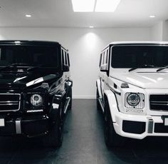 Luxury Cars - Black and White G-Wagons
