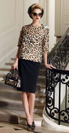 Christian Dior Resort 2010 Fashion Show - Michaela Kocianova Leopard Fashion, Dior Fashion, Fashion Show, Fashion Outfits, Womens Fashion, Fashion Design, Runway Fashion, Animal Fashion, Retro 50