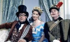 Eric Morecambe, Glenda Jackson and Ernie Wise in the Morecambe and Wise Show. Comedy Duos, Comedy Tv, Glenda Jackson, Morecambe, Classic Comedies, Laurel And Hardy, Bbc Tv, British Comedy, Vintage Tv