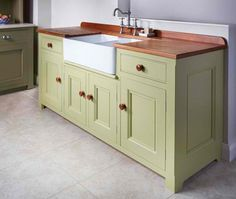 Amazing Modern Kitchen Sink Design Ideas With Farmhouse Style, If you smart enough to make a decision as to what design to get in for your kitchen, the cozy kitchen experience you'll get. Picking the kitchen desig. Kitchen Sink Units, Kitchen Sink Diy, Modern Kitchen Sinks, Kitchen Sink Design, Freestanding Kitchen, Diy Kitchen Remodel, Cozy Kitchen, New Kitchen Cabinets, Kitchen Decor