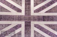 Os tapetes deixaram de ser peças secundárias e agora ganham os holofotes. Veja mais: http://www.casadevalentina.com.br/blog/materia/tapetes-de-mostra-na-sua-casa.html  #decor #decoracao #details #detalhes #charm #carpet #tapete #casadevalentia