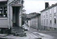 Elintarvikeliike M. & V. Ahtiainen Puuvallilassa 1974 (Vallilantie-Keuruuntie)