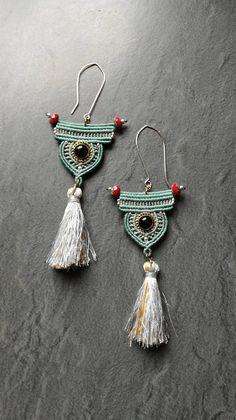 Macrame and Onyx earrings