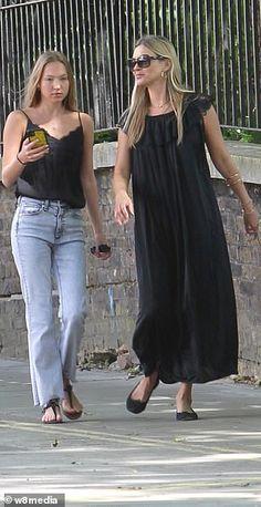 Lila Grace Moss, Lila Moss, Moss Fashion, Denim Fashion, Women's Fashion, Lily Rose Depp Style, Kate Moss Style, Fashion Figures, Mix Style