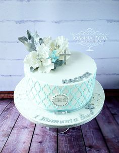 joannapydacakestudio Communion Cake with sugar flowes