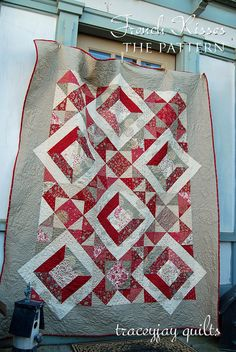 French Kisses quilt by traceyjay, via Flickr