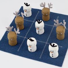 Tic-Tac-Snow How to create the lovable Olaf and Sven characters ~~ from Disney's Frozen for a classic game of tic-tac-toe.How to create the lovable Olaf and Sven characters ~~ from Disney's Frozen for a classic game of tic-tac-toe. Wine Cork Projects, Wine Cork Crafts, Craft Projects, Bottle Crafts, Craft Ideas, Kids Crafts, Arts And Crafts, Christmas Games For Kids, Christmas Crafts