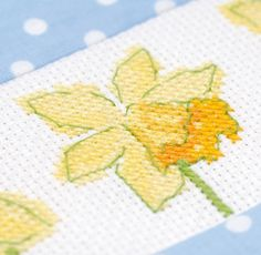 Daffodil delight, designed by Lesley Teare, originally published in @CrossStitcher, March 2010 (Issue 223).