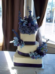 Wedding cake with real ribbon with purple flowers. #weddingcake