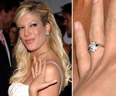Pin for Later: Die schönsten Eheringe der Stars Tori Spelling Dean McDermott schenkte Tori Spelling ihren Verlobungsring an Weihnachten 2005.