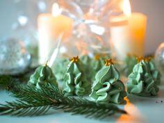Päärynän makuiset Kuusimarengit ovat joulun suosikki herkku! Pienet ja söpöt kuuset voi pakata sellofaaniin ja viedä lahjaksi!