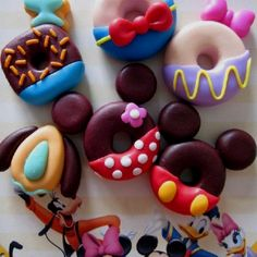 K I love donuts.and I love Disney.what could be better than Disney donuts? Disney Snacks, Disney Food, Disney Desserts, Disneyland Food, Walt Disney, Disney Ideas, Disney Candy, Punk Disney, Disney Theme