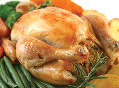 Как готовится вкусная запеченная курица целиком в духовке. В чем ее стоит мариновать (маринад для курицы в духовке), чтобы она получилась наиболее сочной. Что делать, чтобы мясо птицы получилось очень нежным.