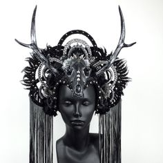 ANTLER HEADDRESS https://instagram.com/p/4CSHpwAChZ/?taken-by=missgdesigns