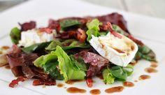 Ensalada de peras, membrillo y queso de cabra #receta #recipe #salad #ensalada #pear #pera #membrillo #cheese #goat #queso #cabra #cordoba #spain #gourmet #GoodelitBOX