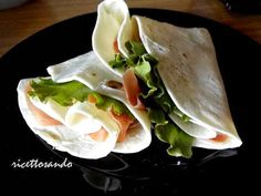 Piadina #ricetta di @luisellablog Cooking For One, Italian Recipes, Tacos, Mexican, Ethnic Recipes, Food, Eten, Meals, Italian Soup Recipes