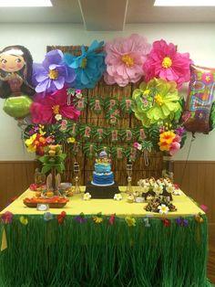 Luau / Hawaiian Birthday Party Ideas | Photo 2 of 37 | Catch My Party