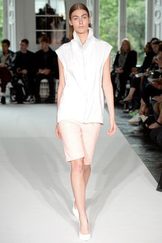 Thomas Tait Spring 2014 Ready-to-Wear Collection Slideshow on Style.com