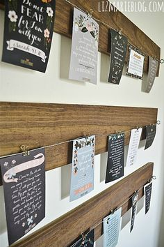Easy DIY hanging art display created with wood and wire. Design Creation, Memo Boards, Cork Boards, Artwork Display, Display Photos, Diy Holz, Kids Artwork, Diy Hanging, Wire Art