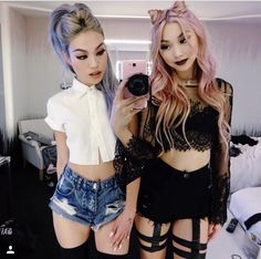 i wouldn't wear this but it does look cool:) Best Friend Outfits, Pin Up Outfits, Edgy Outfits, Cool Outfits, Soft Grunge, Grunge Girl, Japanese Fashion, Asian Fashion, Fashion Beauty