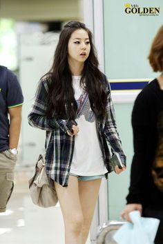 Wonder Girls' Sohee airport fashion