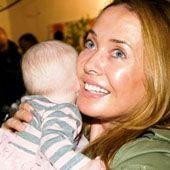 Жанна Фриске вернулась с сыном в Москву - http://spletnitv.ru/zhanna-friske-vernulas-s-synom-v-moskvu/