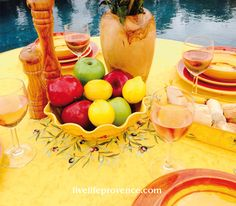 For a variety of French Provencal Table setups, shop on line for the best selection of premium quality Tabletop entertaining. www.livelifeprovence.com #llprovence