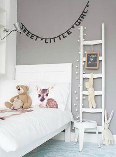 eclectic kids room design by Louise de Miranda Casa Kids, Deco Kids, Little Girl Rooms, Kid Spaces, Small Spaces, My New Room, Kids Decor, Girls Bedroom, Bedroom Beach