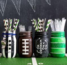 Football Party Mason Jar Mug. Football party ideas with mason jars. Super Bowl party ideas using mason jars. Football Banquet, Football Themes, Football Decor, Football Party Foods, Football Crafts, Kids Football Parties, Football Draft Party, Football Cupcakes, Football Awards