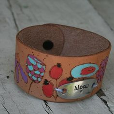 Hand-Painted Leather Bracelet with Stamped Metal -- Create a unique painted leather bracelet.  #decoartprojects