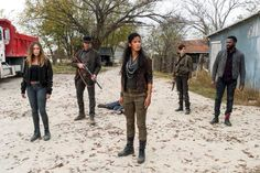Walking Dead Season 4, Fear The Walking Dead, Fear Of Love, Alycia Debnam Carey, Norman Reedus, Movies And Tv Shows, Just In Case, Movie Tv, Military Jacket