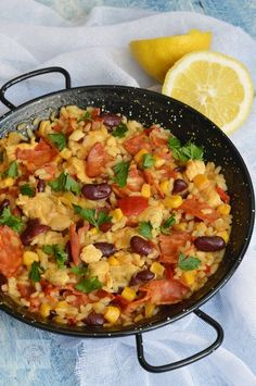 Paella cu pui si chorizo - CAIETUL CU RETETE Cooking App, Cooking Recipes, Chorizo, Paella, Food And Drink, Mexican, Lunch, Chicken, Ethnic Recipes