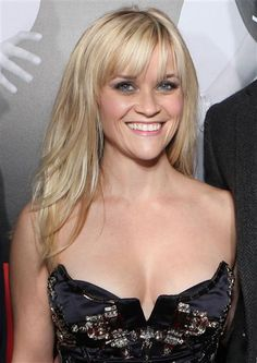 #ReeseWitherspoon's long layers and #bangs. Cute. See more celebs on Wonderwall: http://on-msn.com/ZjDanB