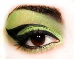 Elphaba-esque eye makeup ~ This would be cool for something that requires a little drama...