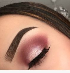 35 Pink Eye Makeup Looks To Try This Season! - Makeup looks - 35 Pink Eye Makeup Looks To Try This Season! 35 Pink Eye Makeup Looks Pink Eye Makeup Looks, Eye Makeup Art, Pink Makeup, Cute Makeup, Eyeshadow Makeup, Easy Eyeshadow, Eyeshadow Tutorials, Makeup Tutorials, Eyeshadow Palette