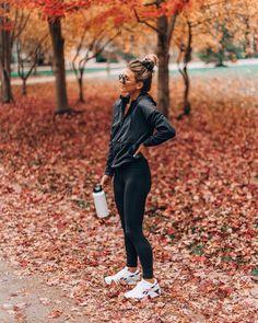 Ways To Workout With Your Kids Cella Jane ! möglichkeiten, mit ihren kindern zu trainieren cella jane Ways To Workout With Your Kids Cella Jane ! Cute Workout Outfits, Fitness Outfits, Workout Attire, Workout Wear, Fitness Fashion, Winter Workout Outfit, Fitness Style, Yoga Fashion, Fitness Clothing