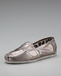 Because to be honest, I'm not feeling the whole super high heel thing this prom. TOMS!