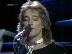 Rod Stewart - The First Cut Is The Deepest      TOP OF THE POPS (May 5, 1977).  Introduced by Noel Edmonds.