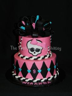 Monster High cake!! Omg Bobo would love this