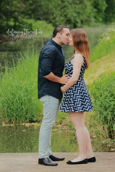 Gender Reveal / maternity. By Delaney Thornton Photography
