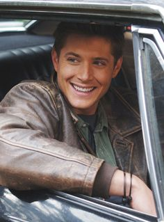 Smiling Jensen as Dean Winchester From Supernatural Sam Winchester, Winchester Brothers, Jensen Ackles, Jeffrey Dean Morgan, Sam Dean, Supernatural Fans, Smallville, Jared Padalecki, Clark Kent