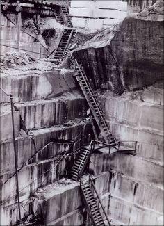 ak-interior_alaskan_marble_quarry_ca_1910.jpg 553×762 pixels