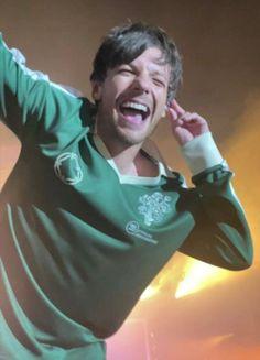Louis Tomlinson, One Direction Edits, Harry Styles Edits, Two Best Friends, Larry Stylinson, Niall Horan, Zayn, Liam Payne, Twitter