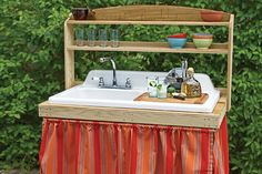 backyard bar built from salvaged cast-iron sink. Great for the garden, and a potting bench too. Outdoor Projects, Home Projects, Vintage Kitchen Sink, Vintage Sink, Kitchen Sinks, Kitchen Unit, Bbq Kitchen, Kitchen Grey, Kitchen Items