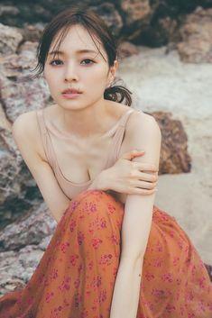 Beautiful Japanese Girl, Beautiful Girl Image, Beautiful Asian Women, Pretty Asian, Beauty Shots, Monochrom, Beach Wear, Female Portrait, Hottest Models