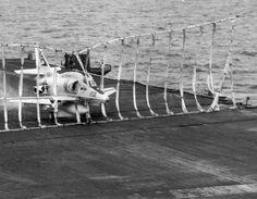 A-4 from VA-212 into the Barrier. U.S.S. HANCOCK CVA-19  - 1972 Us Navy Aircraft, Navy Aircraft Carrier, Military Jets, Military Aircraft, Uss Hancock, Capital Ship, Us Navy Ships, Armada, Flight Deck