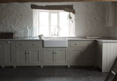deVOL Kitchens make the Classic English Kitchen, Shaker Kitchen and Air kitchens. All our bespoke kitchens are handmade by deVOL cabinet makers in our Leicestershire workshops. Devol Shaker Kitchen, Devol Kitchens, Home Kitchens, Dream Kitchens, English Country Kitchens, Up House, Bespoke Kitchens, New Kitchen, Kitchen Ideas